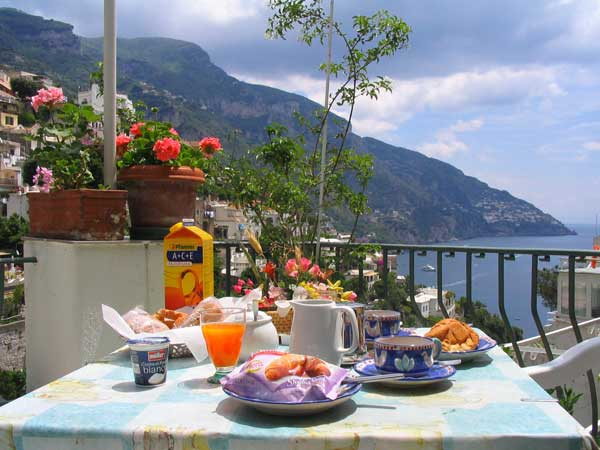Information about different types of bed & breakfast in Garda, a meeting point for many sport fans