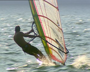 Riva del Garda is the home of windsurfing. Courses, challenges, holiday training or just for fun.