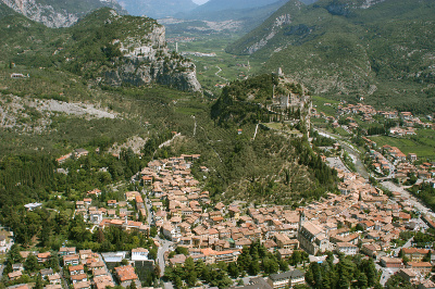 Arco di Trento, city of health treatments, well-being and sports. Information about camping, farm holidays and hotels in Arco di Trento.